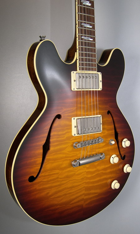 SOLD COLLINGS I 35 DELUXE